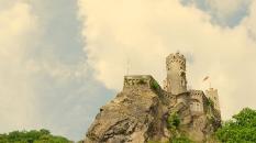 burgrheinstein_castlesirenhouse_cameraandcarryon-jpg