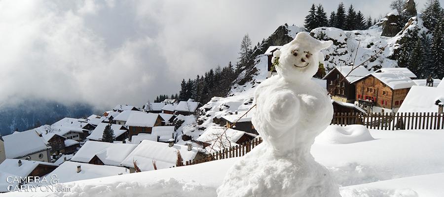snowwoman_awayholidays_cameraandcarryon