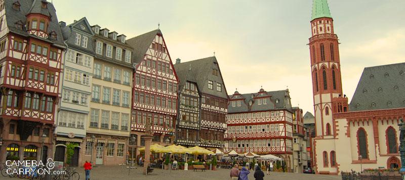 frankfurt_castlesirenhouse_cameraandcarryon
