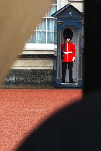 Photo On the Map: London, UK — Feature Photograph, Changing of the Guard at Buckingham Palace in London on a rainy day in September | CameraAndCarryOn.com